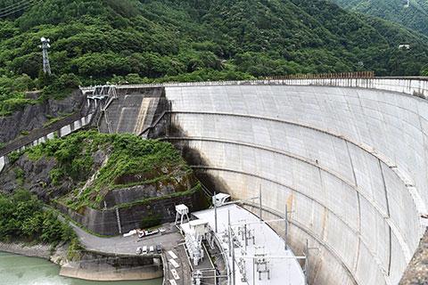 水殿発電所